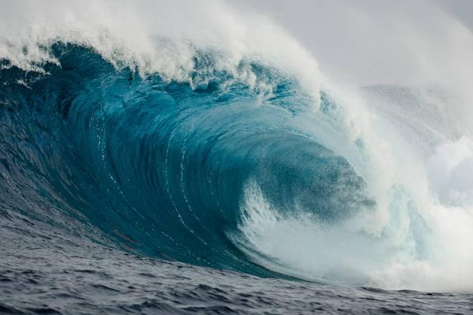 Vulcão capaz de gerar tsunami na costa do Brasil entra em alerta